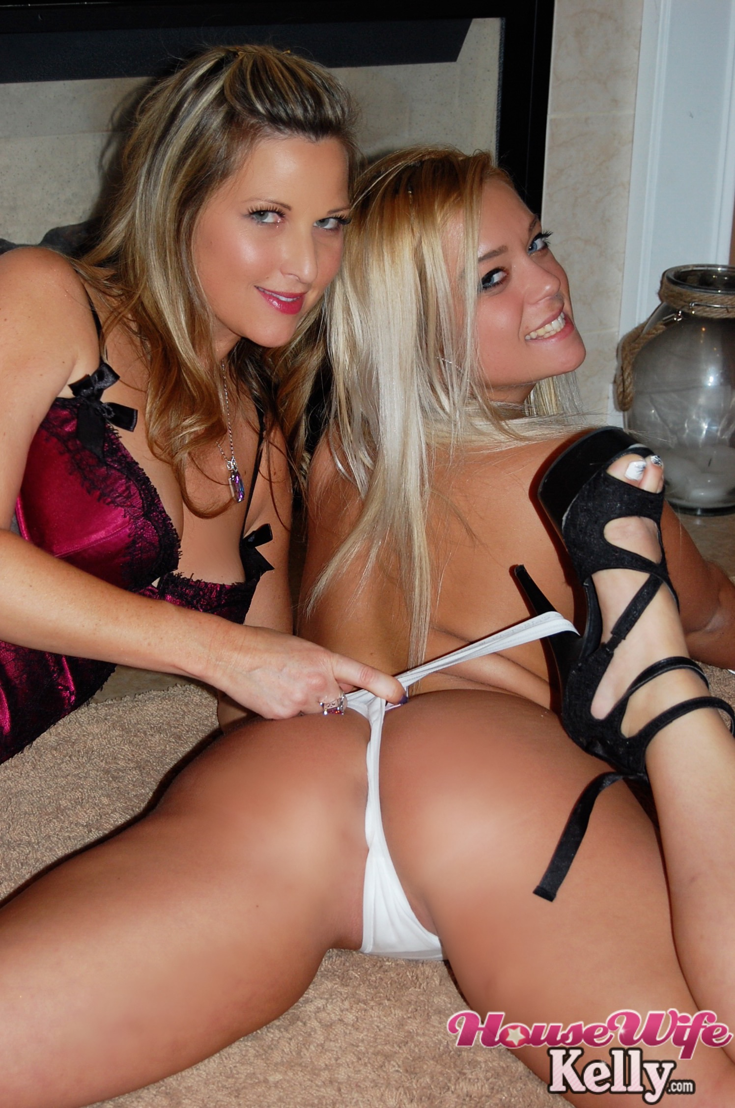 2 hot blondes sharing a dick 9